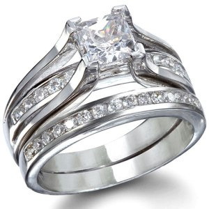 bethanys-sterling-silver-princess-cut-wedding-ring-set